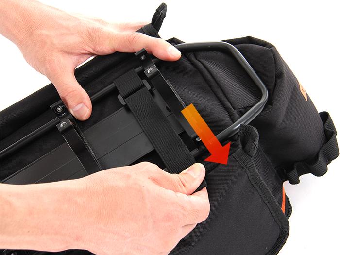 リアキャリアバッグ取り付け方法画像