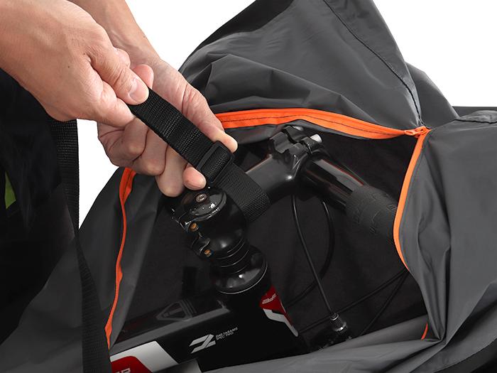 マルチユースキャリングバッグ ウルトラライトショルダーベルトの取り付け方法画像