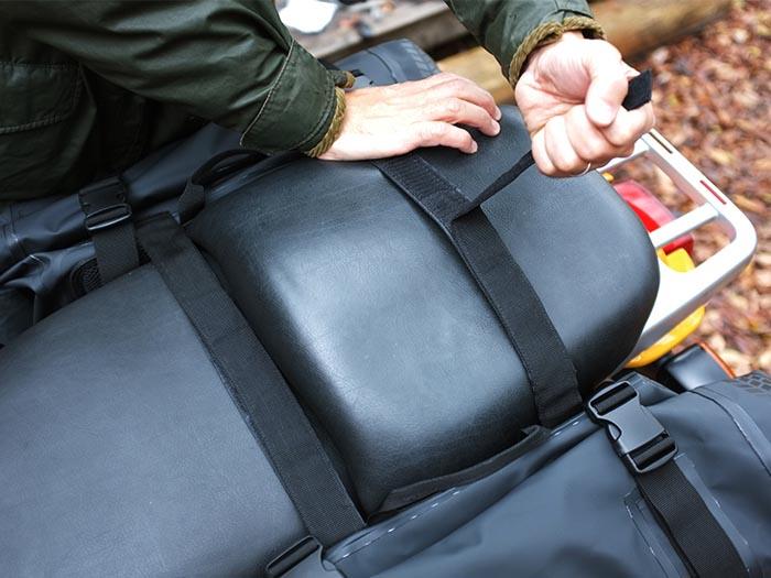 ターポリンサイドバッグ装着方法画像