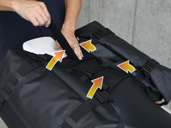 ターポリンサイドバッグマフラーとサイドバッグが干渉する場合の対処方法画像