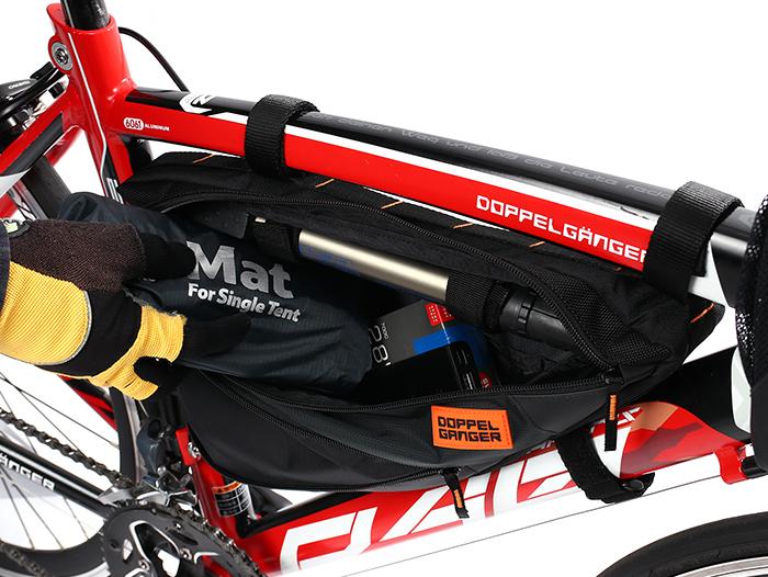 DFB458-BK メガマウスフレームバッグ 各部特徴画像