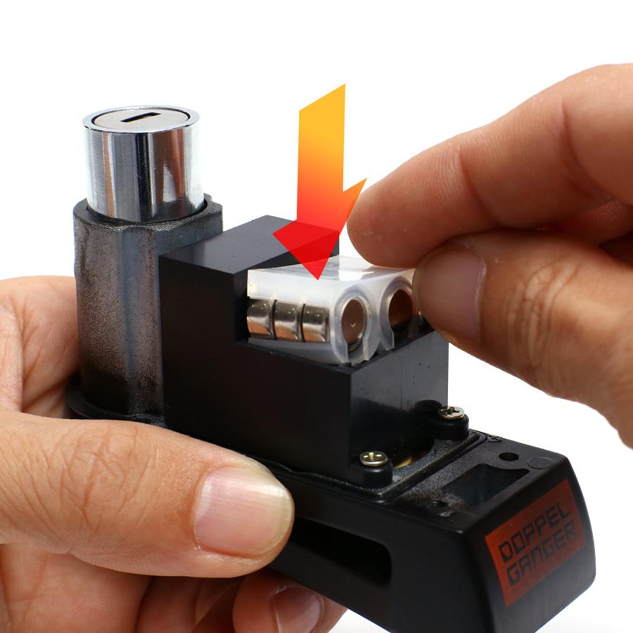 アラームディスクロック電池のセットアップ方法画像