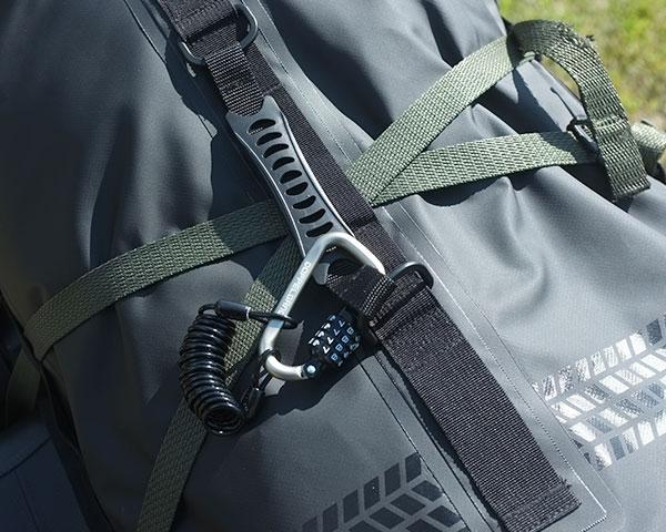 DBT427-BK ターポリンツーリングシートバッグ 各部特徴画像