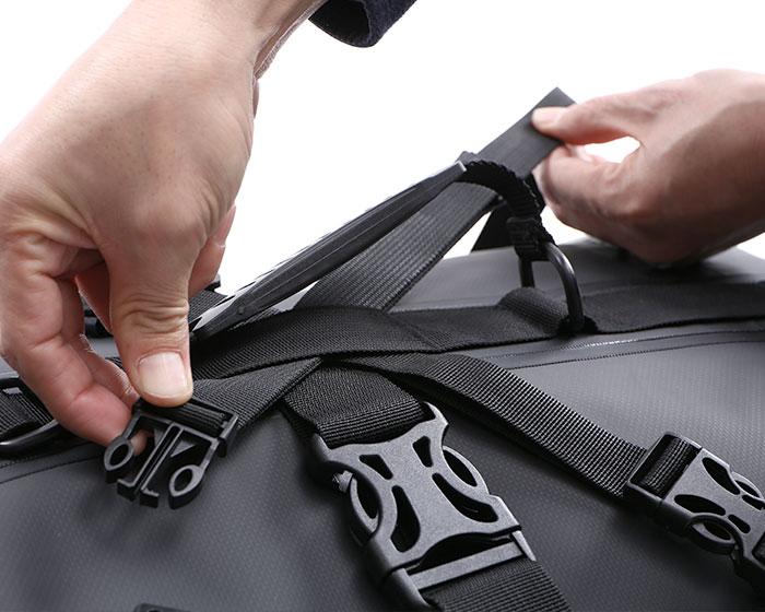 DBT427-BK ターポリンツーリングシートバッグ 使用の一例画像