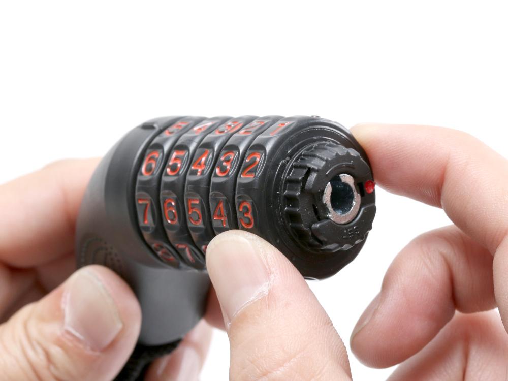 ダイヤルコンボリフレクトチェーンロックかんたんパスワード設定画像