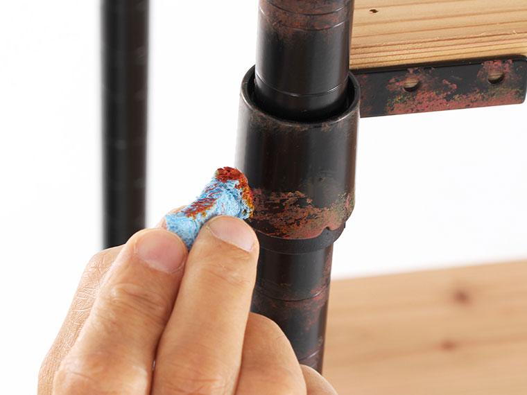 スチールラック支柱キットサビ加工のエイジング画像