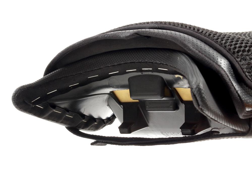 バイク用シートクッションセット クール&ゲル3Dメッシュ/ゲルクッションを合わせた装着方法画像