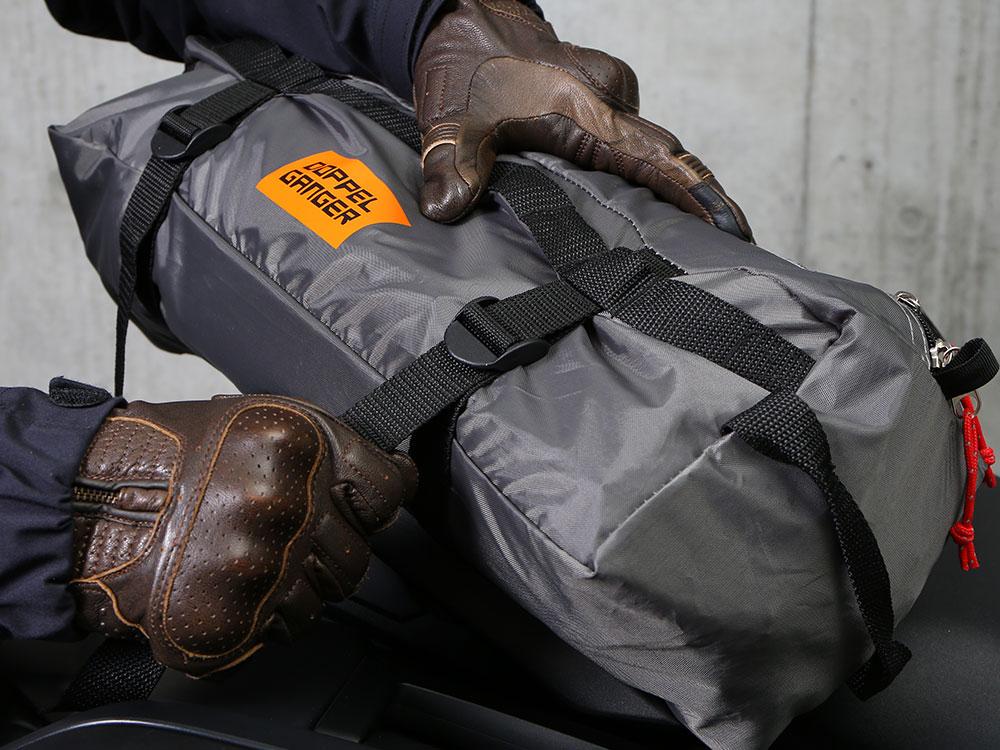 バイクツーリングテント1専用キャリーバッグの使い方画像