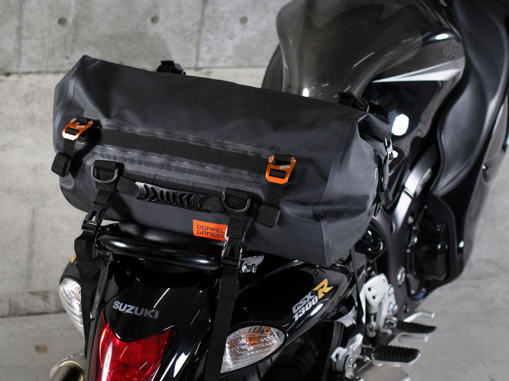 ターポリンツーリングドラムバッグ目的で選ぶ多彩な積載スタイル。画像